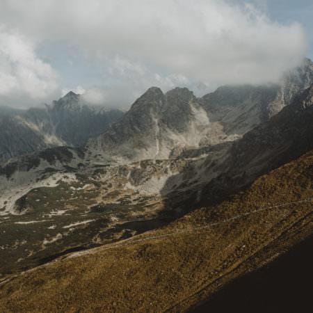 Klimat górski i Państwo Młodzi – fotografia ślubna w górach