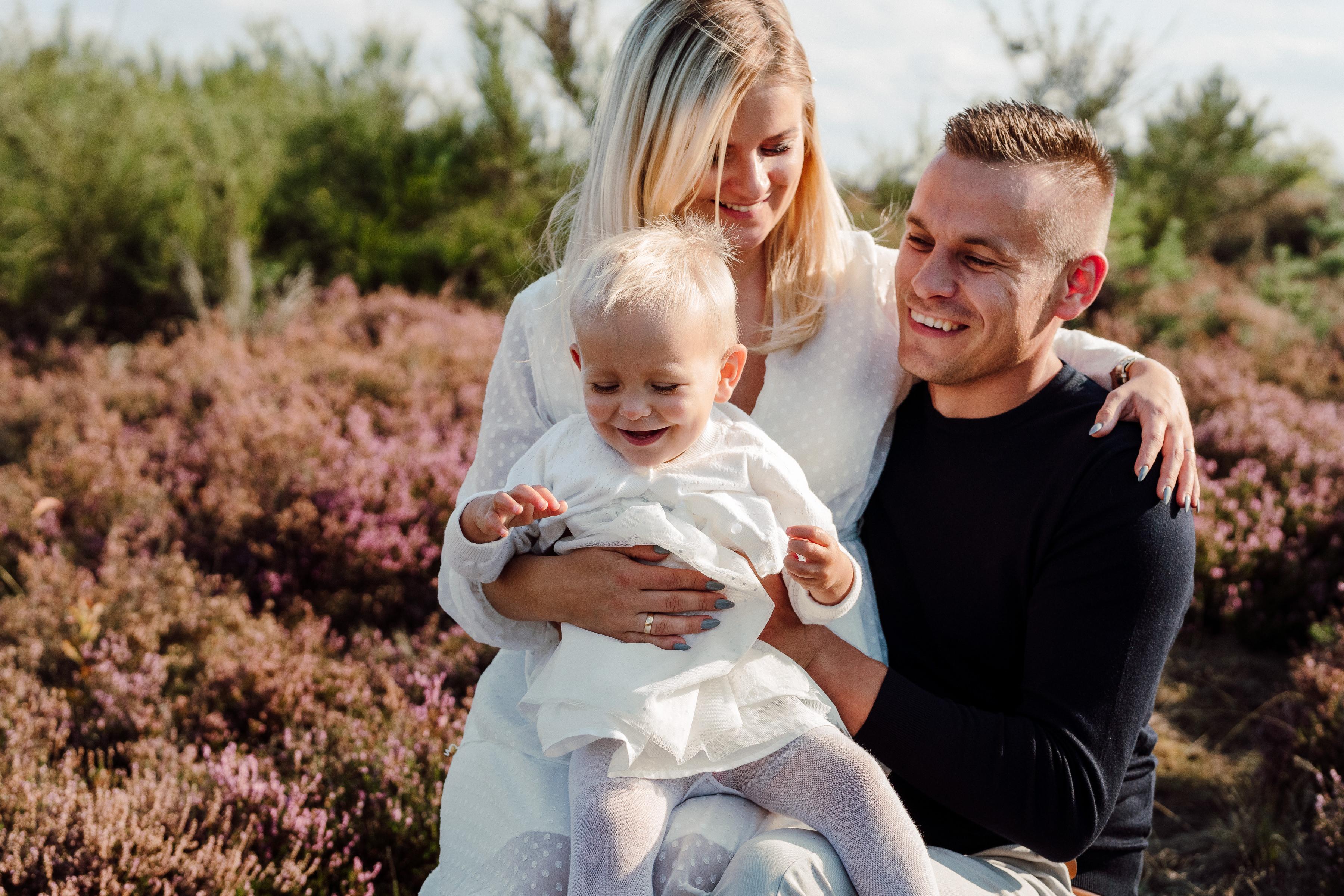 Sesja brzuszkowa – fotografia dla par i młodych rodziców 1